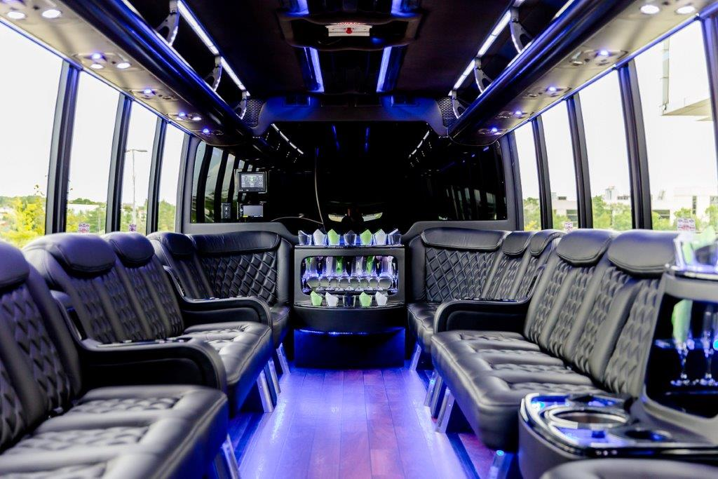 4dd9fe1574 Luxury Party Bus Hawaii - Oahu s Finest Party Bus